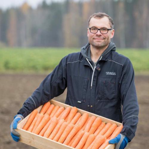 Tilan viljelijä Paavo Pulkkinen / Farmer and entrepreneur of Lietlahti farm, Paavo Pulkkinen